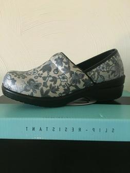 Savvy nursing shoes- Brandy Silver Floral